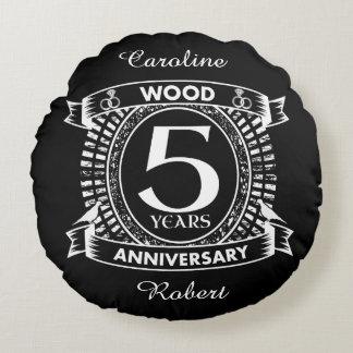 5th wedding anniversary distressed crest round cushion