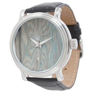 Alaska wooden light pole watch