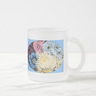 Artistic Shasta Daisy 10 Oz Frosted Glass Coffee Mug