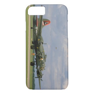 B17 Taxiing, Right Front_WWII Planes iPhone 8/7 Case