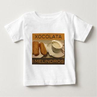 Barcelona. magnet baby T-Shirt