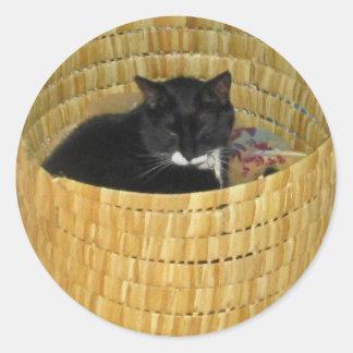 Basket Lucy Classic Round Sticker