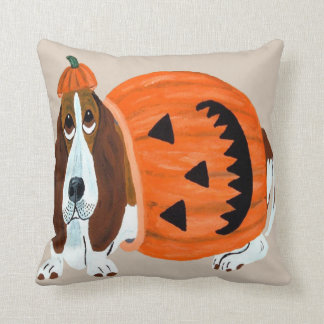 Basset Hound In Pumpkin Suit Mug Throw Pillow