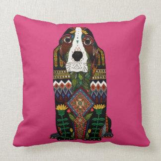 Basset Hound love fuchsia pink Throw Pillow