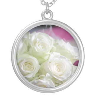 beautiful white roses necklace