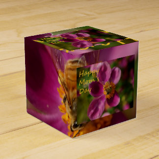 Bee on a Pink Flower Mother's Day Treat Box Wedding Favour Boxes