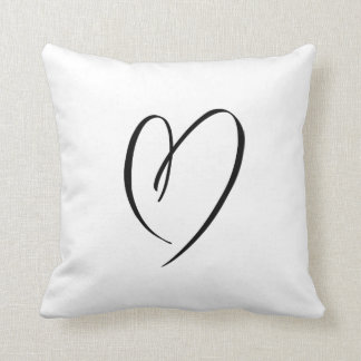 BLACK AND WHITE DOODLE HEART | PILLOW CUSHION