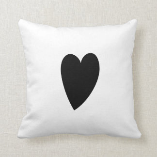 BLACK AND WHITE DOODLE HEART | PILLOW THROW CUSHION