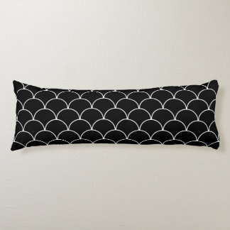 Black and White Scallop Pattern Body Cushion