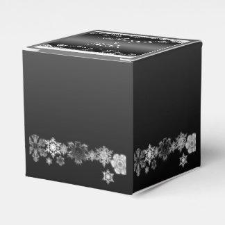 Black and White Snowflake Wedding Favor Box Favour Boxes
