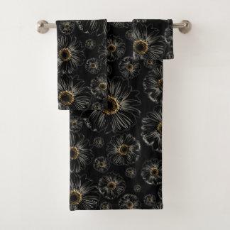 Black Daisies Bath Towel Set