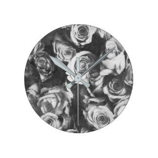 Black roses round clock