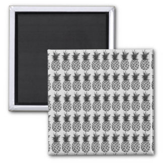 Black&white pineapple square magnet