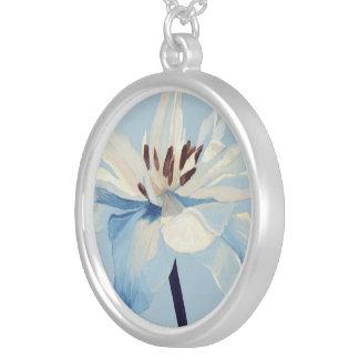 Blue Flower Round Pendant Necklace