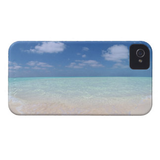 Blue sky and sea 11 iPhone 4 cases