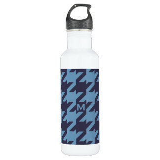 Bold modern navy blue houndstooth with monogram 710 ml water bottle