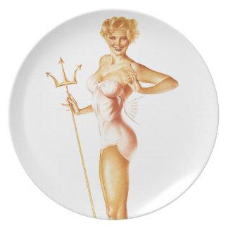 BOMBSHELL BAD GIRLS Retro Pin-Ups Dinner Plate