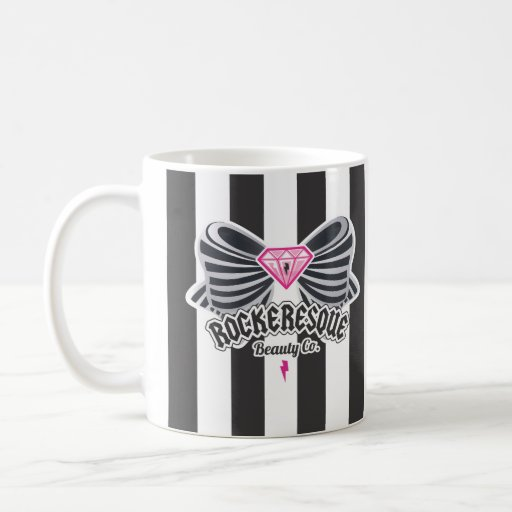 Bow in has cup mugs