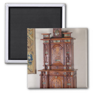 Cabinet with two sections, and a double door magnet