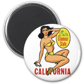 California Pinup 6 Cm Round Magnet