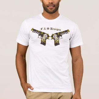 camo gun 4 c T-Shirt