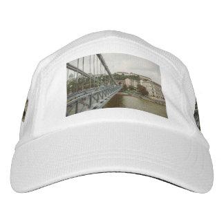 Chain bridge, Budapest Hat