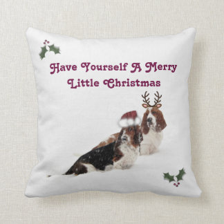 Christmas Pillow w/Bassets in The Snow