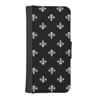 Classic Black and White Fleur-de-lis Pattern iPhone SE/5/5s Wallet Case