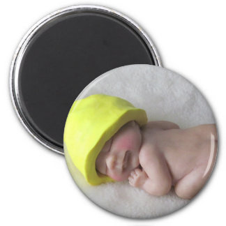 Clay Baby Sleeping on Tummy, Elf Hat, Sculpture 6 Cm Round Magnet