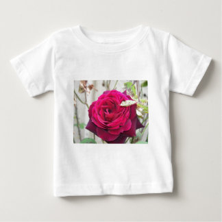 close up red rose baby T-Shirt