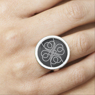 Clover Knot Ring
