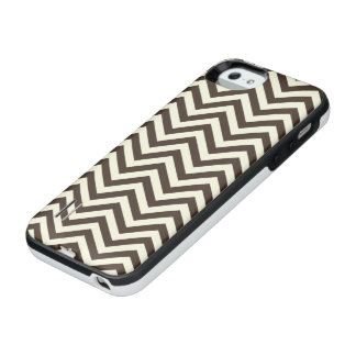 Cream and Brown Chevron iPhone SE/5/5s Battery Case