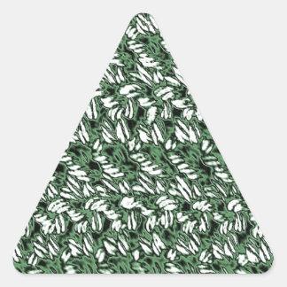 Crocheted-Look Triangle Sticker