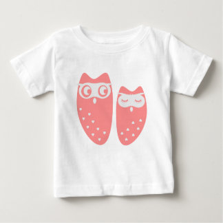 Cute owl couple with hearts baby T-Shirt