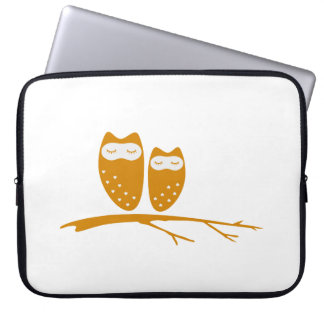 Cute owl couple with hearts laptop computer sleeve