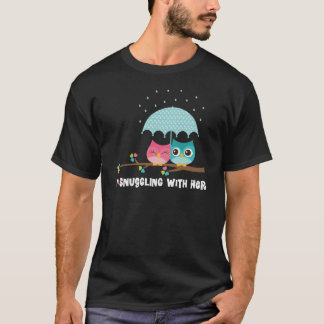 Cute Snuggling Couples Owl Gift T-Shirt