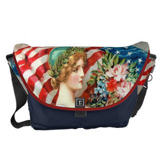 cute vintage american bag,american,vintage courier bag