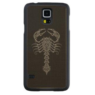Dark Gray Tribal Scorpion on Black Maple Galaxy S5 Slim Case