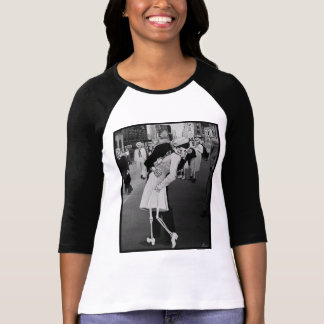 Day of the Dead Kiss in Times Square Tshirts
