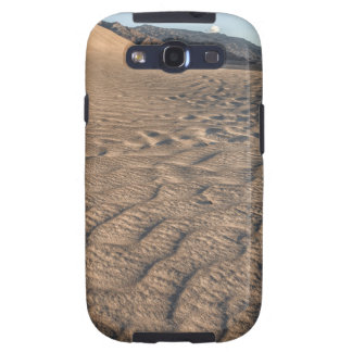 Death valley, desert natural sand dunes near devil galaxy SIII cases