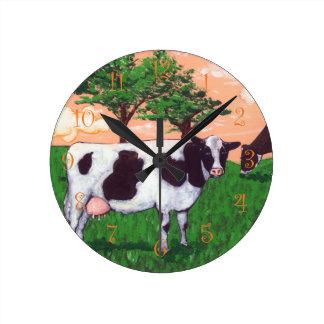 Defiant Wisconsin Dairy Cow Round Clock