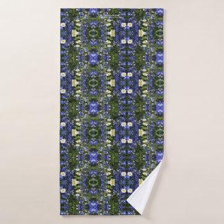 Delpininiums and Daisies Bath Towel