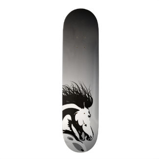 dynamic horse illustration 20 cm skateboard deck