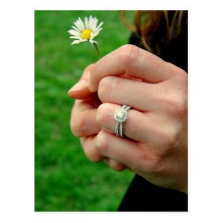 Engagement ring with Daisy Postcard