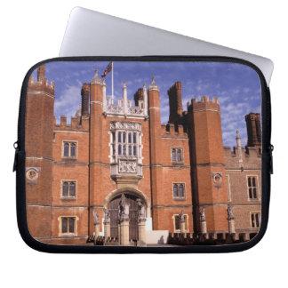 England, Surrey, Hampton Court Palace. 3 Laptop Sleeve