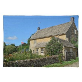 English cottage with garden cloth place mat