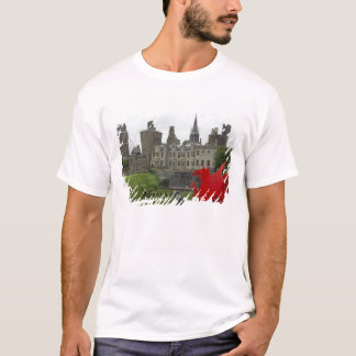 Europe, Wales, Cardiff. Cardiff Castle. Welsh 2 T-Shirt