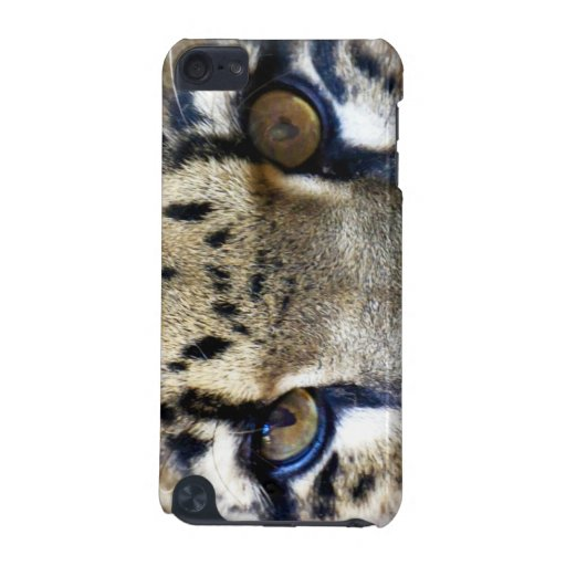 Eyes of a clouded leopard iPod touch (5th generation) covers
