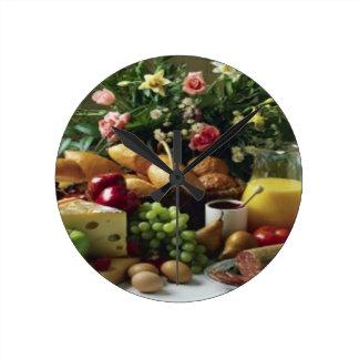 FABULOUS FOOD FEAST MEDIUM ROUND WALL CLOCK