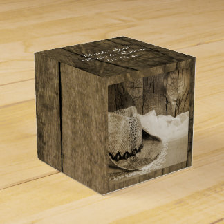 Faux Barn Wood and Cowboy Hat Country Wedding Favour Box